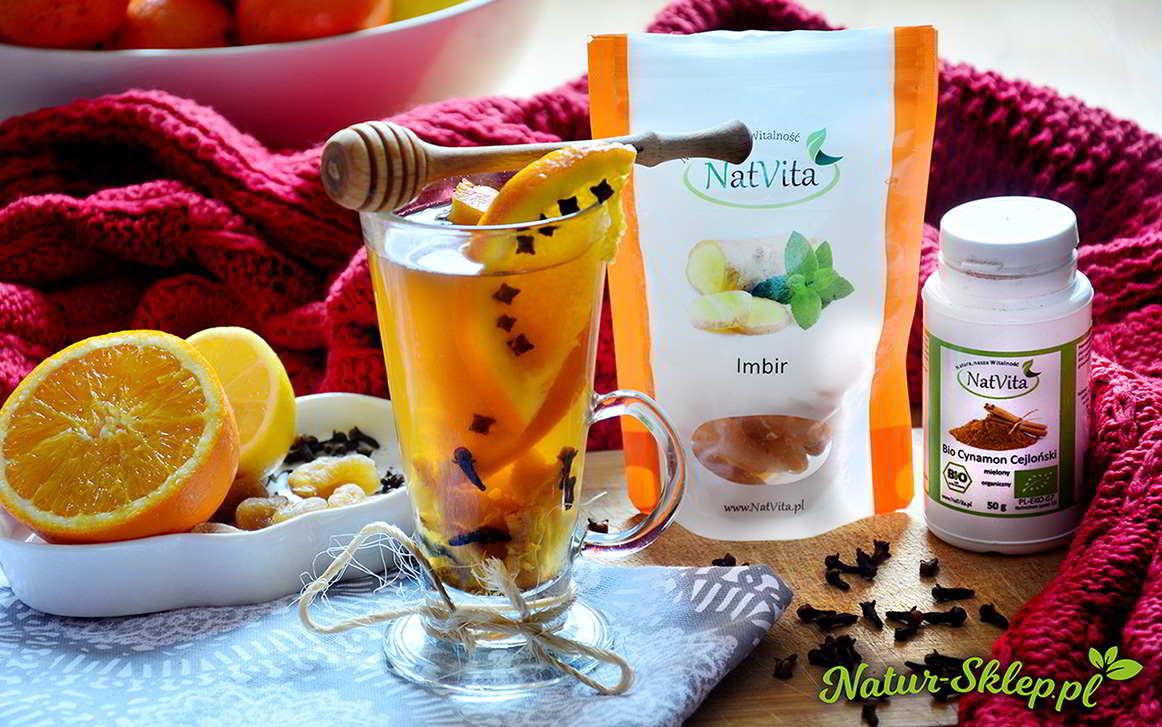napar herbaciany z dodatkiem imbiru, cynamonu, pomarańczy i goździków